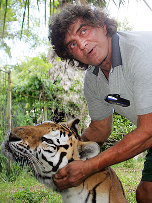 Tarzan Steve Sipek's Tiger Case to Be Settled in Court