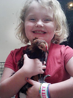 Honey Boo Boo Gets Chicken; She Names It Nugget