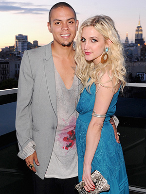 Ashlee Simpson Parties with Boyfriend Evan Ross's Family