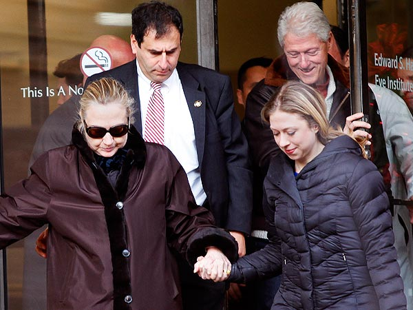 Hillary Clinton Recovering from Concussion