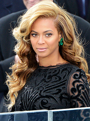 Beyonc&#233; Discusses Miscarriage & Slams Surrogacy Rumors