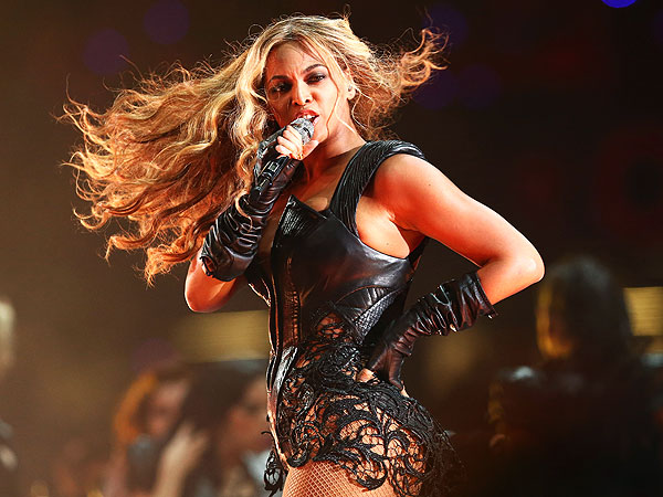 Super Bowl - Beyonce Halftime Show &#39;Divalicious&#39;