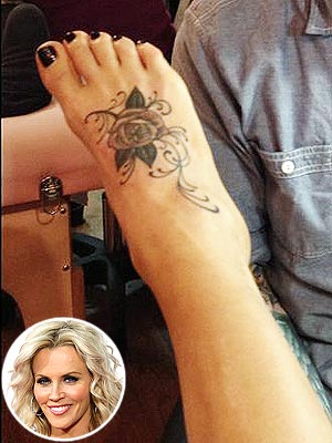 Super Bowl Blackout - Jenny McCarthy Gets a Tattoo