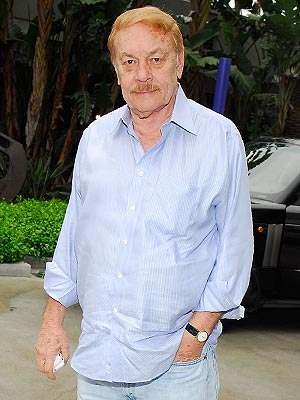 Jerry Buss, Lakers Owner, Dies at 80