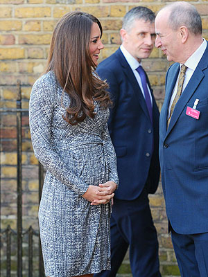 Kate Looks Great at First Official Outing Since Babymoon
