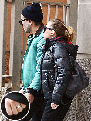 Scarlett Johansson Dating Romain Dauriac; Denies Engagement Rumors