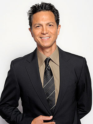 Benjamin Bratt Chats with PEOPLE