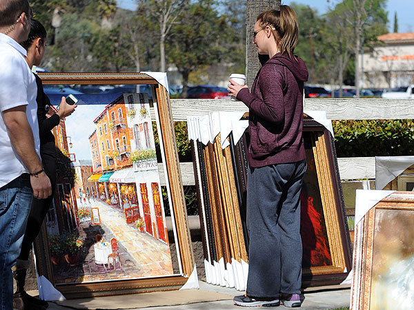 Britney Spears Buys Parisian Street Scene Oil Painting in an L.A. Parking Lot