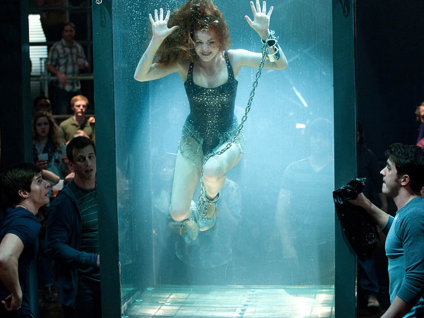Why Is Isla Fisher Trapped Underwater?