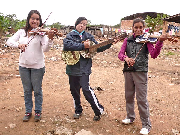Musicians Brings Hope to Kids Living in Slums in Paraguay