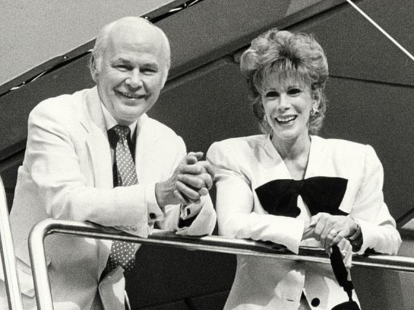 Hairdresser Kenneth Battelle Dies at 88