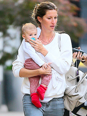 Gisele Bundchen Photographed with Vivian: Pictures