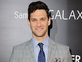 Justin Bartha: What It's Like Beat Boxing with Bradley Cooper