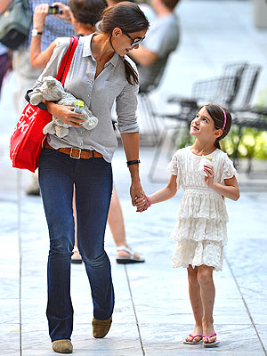 Memorial Day: Katie Holmes, Suri Cruise Sighting in Florida - Picture