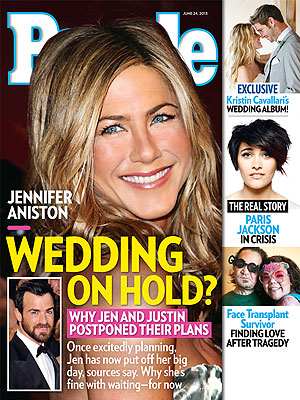 Jennifer Aniston, Justin Theroux Postpone  Wedding