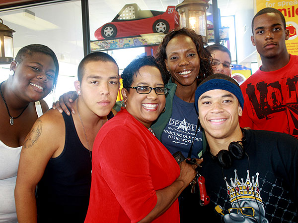 Los Angeles School Bus Driver Takes Students on Life-Changing Road Trips
