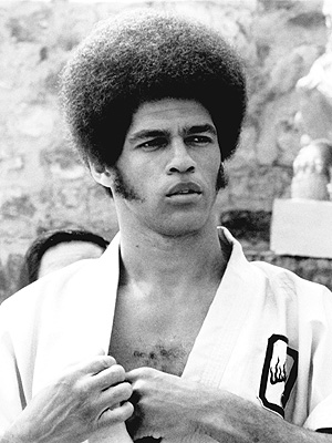 'Enter the Dragon' Actor Jim Kelly Dies at 67