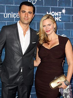Natasha Henstridge Files for Divorce from Darius Campbell