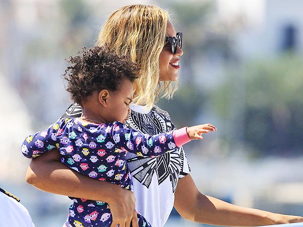 Beyoncé Takes Blue Ivy to Ibiza