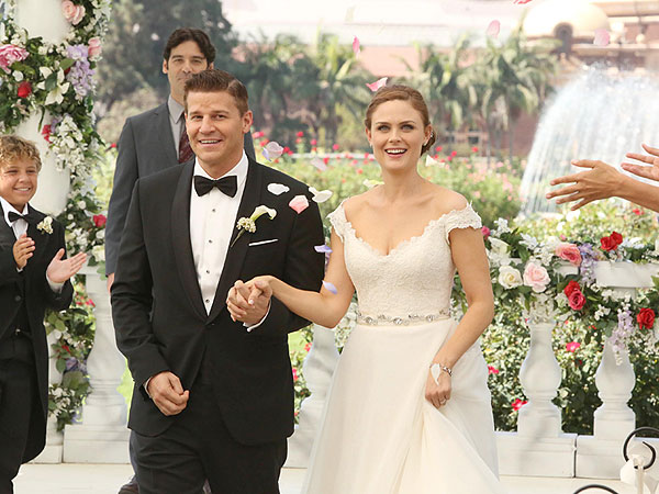 bones 600 Boness Booth and Brennan Get Married: PHOTO