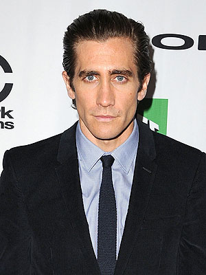 Jake Gyllenhaal Punches Mirror on Set, Is Briefly Hospitalized