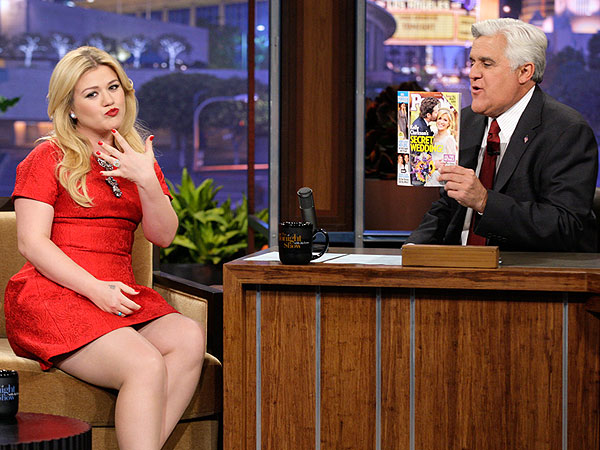 Kelly Clarkson Coy on Pregnancy Question but Now Wants Five Kids