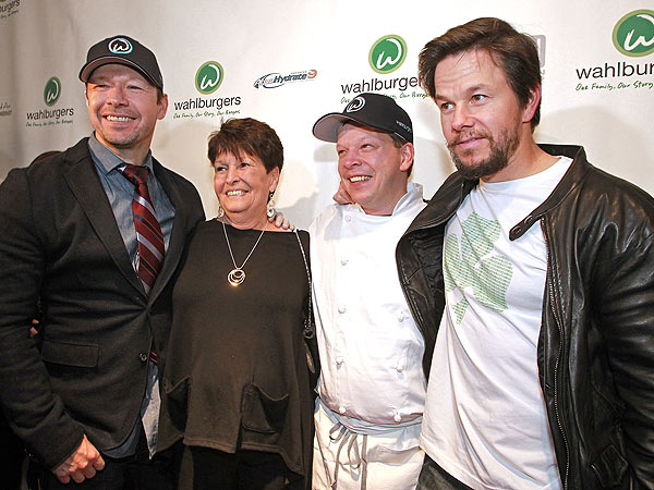 Paul Wahlberg Family Mark wahlberg & family to star
