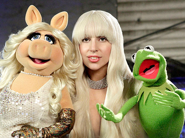 Lady Gaga Celebrates the Holidays with the Muppets