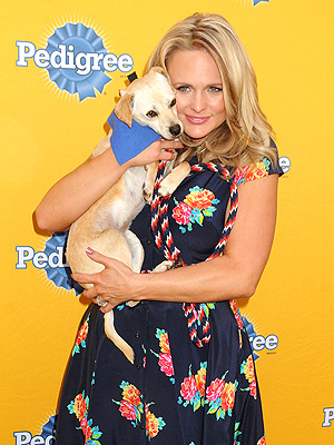 Miranda Lambert Launches Pedigree Feeding Project