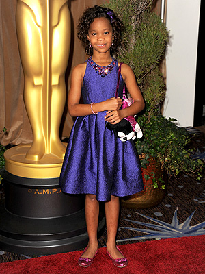 Quvenzhané Wallis Rocks Puppy Purse at Oscar Luncheon