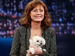 Why Susan Sarandon&#39;s Dog Started Tweeting | Jimmy Fallon, Susan Sarandon