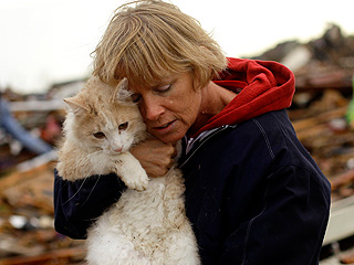 Stories You're Talking About: The 5 Best Animal Rescue Photos from the Oklahoma Tornado