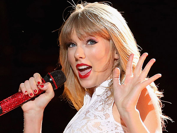 Taylor Swift Tops List of 2013's Most Charitable Celebrities
