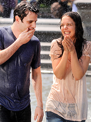 Star Tracks: Katie & Luke: Wet & Wild! | Katie Holmes