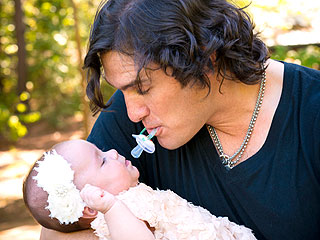Joe Nichols: I'll Do 'Anything' to Make My Family Happy
