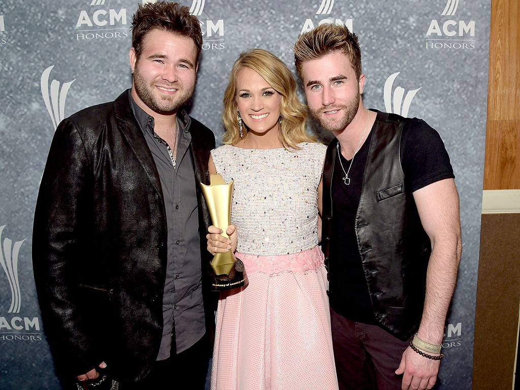 Acm honors carrie underwood rascal flatts for How many kids does carrie underwood have