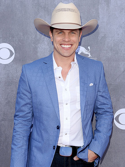 Dustin Lynch on Where It's At