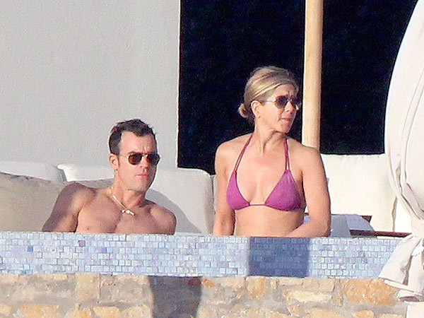 Jennifer Aniston Vacations in Los Cabos, Courteney Cox, Justin Theroux