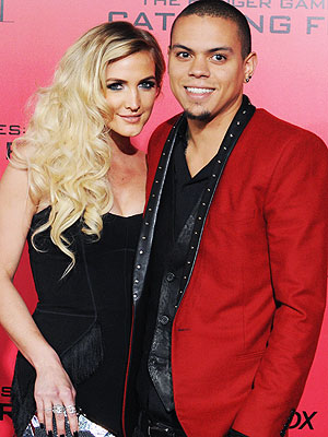 Ashlee Simpson Engaged to Evan Ross