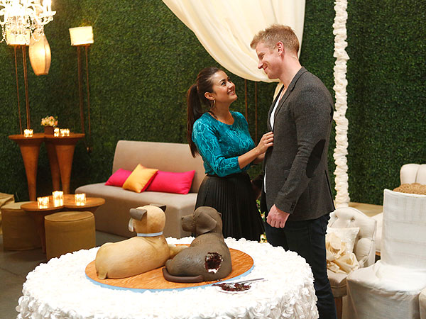 Sean Lowe and Catherine Giudici Will Honor Their Dogs at Their Wedding – with a Cake