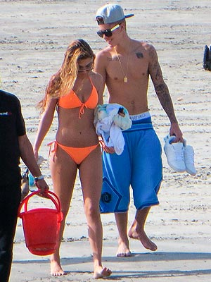 Justin Bieber Resurfaces After Arrest – on the Beach in Panama