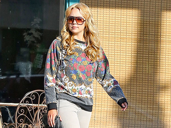 Amanda Bynes Steps Out in Los Angeles