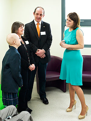 Princess Eugenie Recalls Childhood Scoliosis Operation, Visits London Hospital