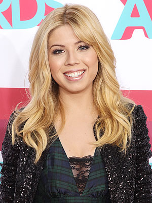 Jennette McCurdy's Sexy Selfies Aren't to Blame for Sam & Cat Hiatus