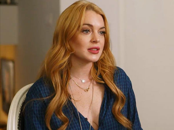Lindsay Lohan AdmitsShe Broke Sobriety for a Glass of Wine