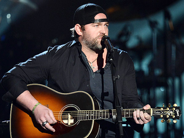 Lee Brice Video: Plays Two Truths and A Lie
