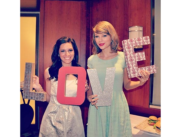 Taylor Swift Surprises Fan by Attending Her Bridal Shower