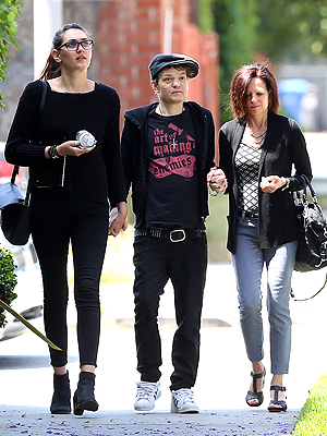 Deryck Whibley Steps Out Appearing Frail After Nearly Dying from Alcohol
