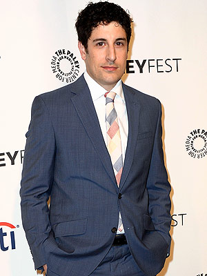 Jason Biggs Tweets About Malaysian Plane Crash, Apologizes