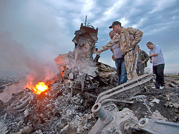 Six Devastating Photos from the Wreckage of the Malaysia Airlines Plane Crash